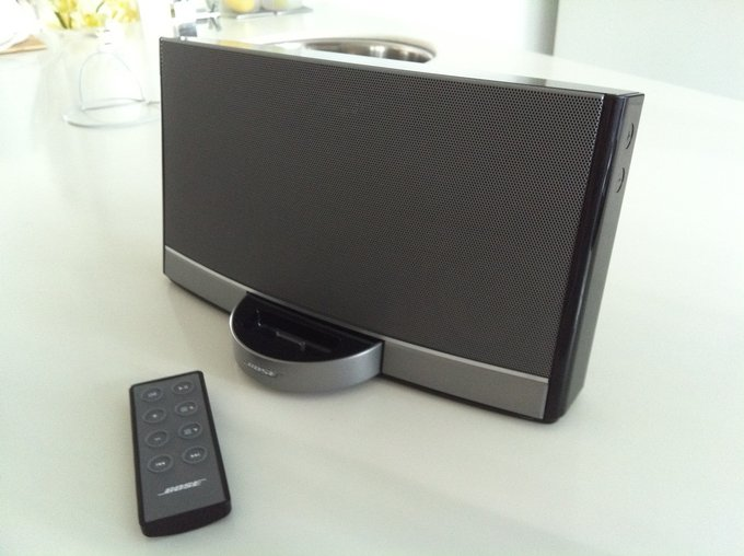 audiowiedergabe test bose sounddock portable. Black Bedroom Furniture Sets. Home Design Ideas